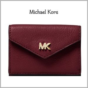 Michael Kors Small Flap Wallet ✨